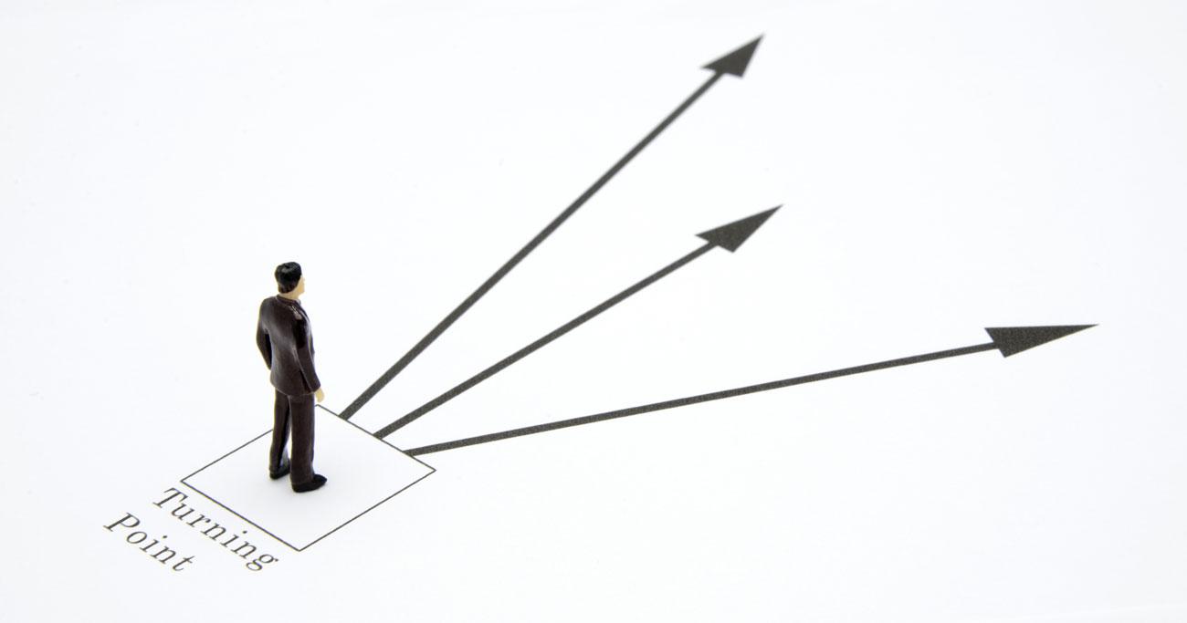 早期退職募集に対する「転職」「独立」「居残り」それぞれのリスクとは