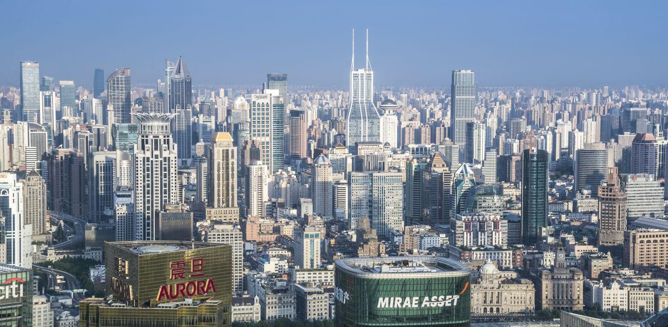 日本は中国とどう付き合うべきか?香港の混乱と上海の安定を見定めよ