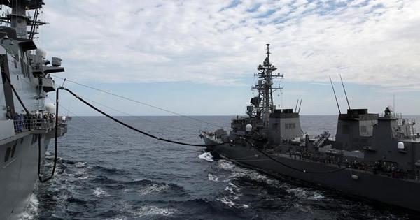 海自の護衛艦いずも、九段線に接近 レーダーに機影