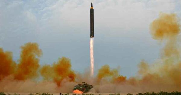 金正恩、核ミサイルへの執着から読み取れる「3つの思惑」
