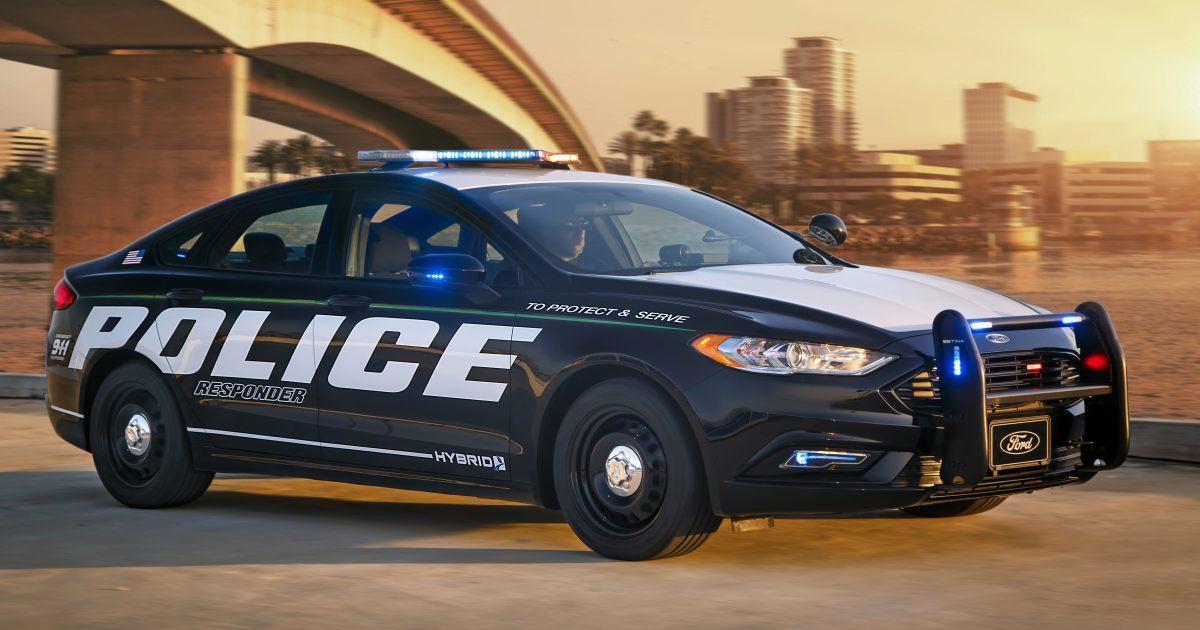 フォード「省燃費パトカー」は予算難の米国警察を救うか?