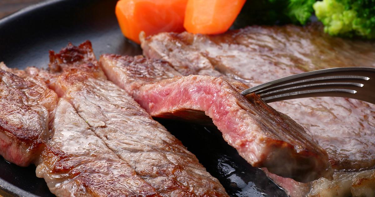 周期的に下腹部が痛む「大腸憩室炎」は赤身肉を控えて予防
