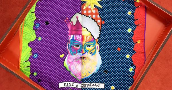 エトロがクリスマス仕様のポケットチーフを!