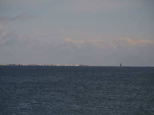 納沙布岬から見た水晶島と貝殻島の灯台