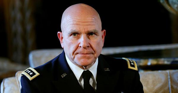 トランプ氏の新補佐官、安全保障上の意見に食い違い