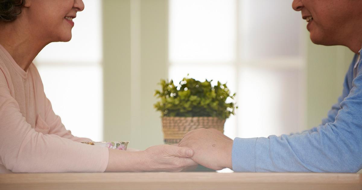 高齢者ホームで「ゲス不倫」!? 「人生の最後くらい…」と一線越える大胆恋愛の実態