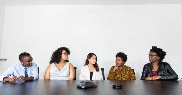 社内コミュニケーションを活性化するには?専門家が秘策を伝授