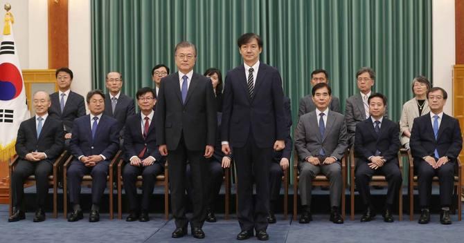 文在寅大統領と曺国法務部長官