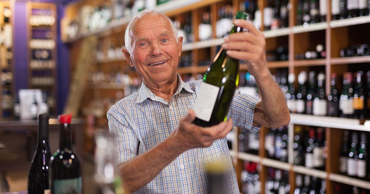 ワインショップで見かける記号「RP」「WS」「WA」の意味が分かると、ワインがもう少し面白くなる