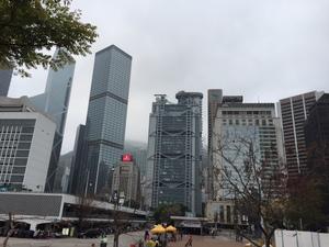 高層ビルが立ち並ぶ香港