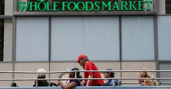 アマゾン、ホールフーズ買収でウォルマートに真っ向勝負