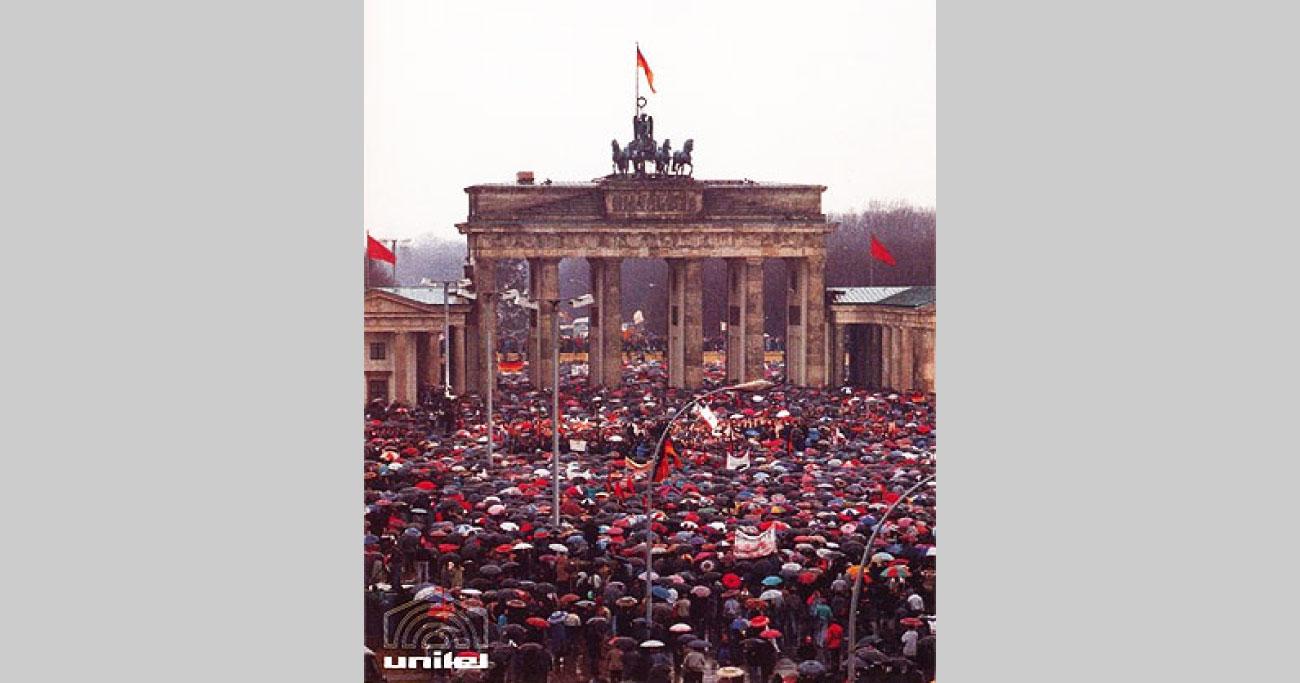 29年前の今日、東西ドイツ統一!それを祝うバーンスタイン指揮の第九は必聴