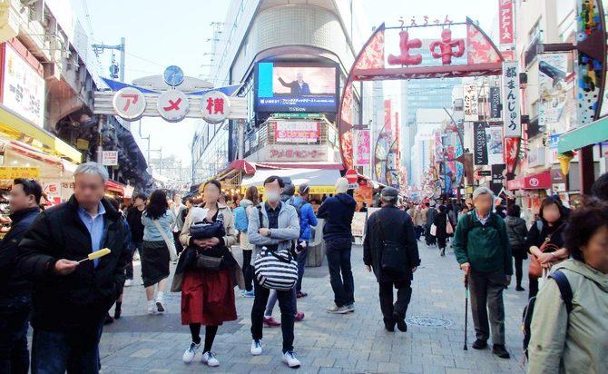 アメ横にアジアングルメ店が増え、老舗の店主たちは事態の転換点に直面している