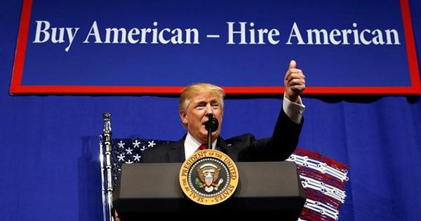 「米国優先」の大統領令、鉄鋼業界は実効性を疑問視