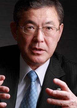 よしなが・やすゆき/東京都出身、62歳。1977年成蹊大学卒業後、富士重工業入社。国内営業本部長時代に「ア