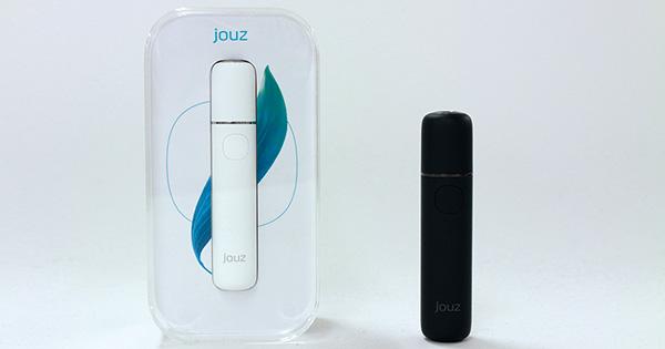 新発売されるjouz。IQOSの純正デバイスに比べて連続喫煙が可能などの特徴を持つ Photo by Akira Yamamoto