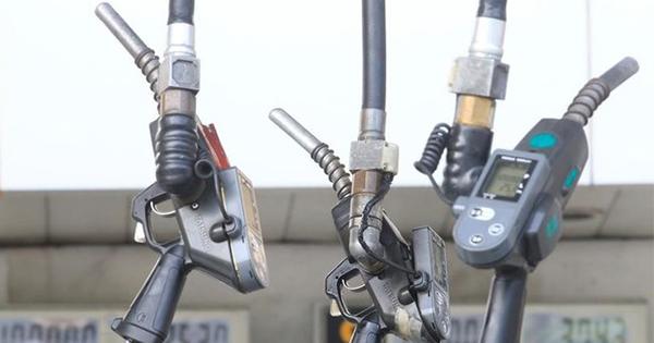 アジアのガソリン需要、電気自動車の普及で早期頭打ちも