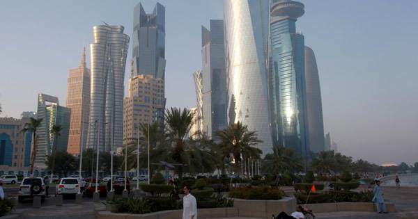 カタールがLNG大増産計画、アジアで顧客争奪戦か