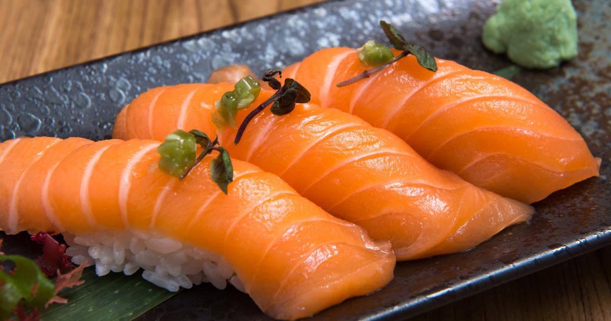 中国人はなぜ回転寿司屋でサーモンばかりを頼むのか